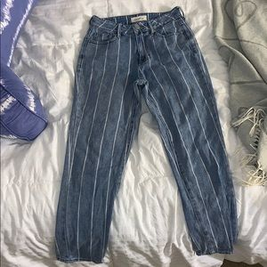 Pinned striped mom jeans